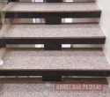 Escada em Granito Amêndoa