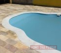 Borda em Mármore branco sob medida para piscinas de fibra.